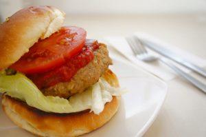 トマトのハンバーガー